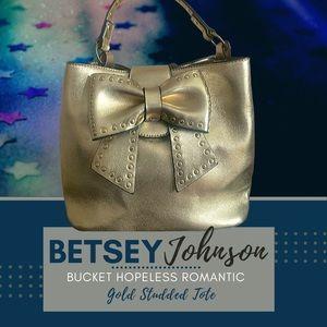 BETSEY JOHNSON BUCKET HOPELESS ROMANTIC TOTE